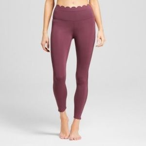 e2242a06a7ad4 JoyLab scallop leggings size: medium